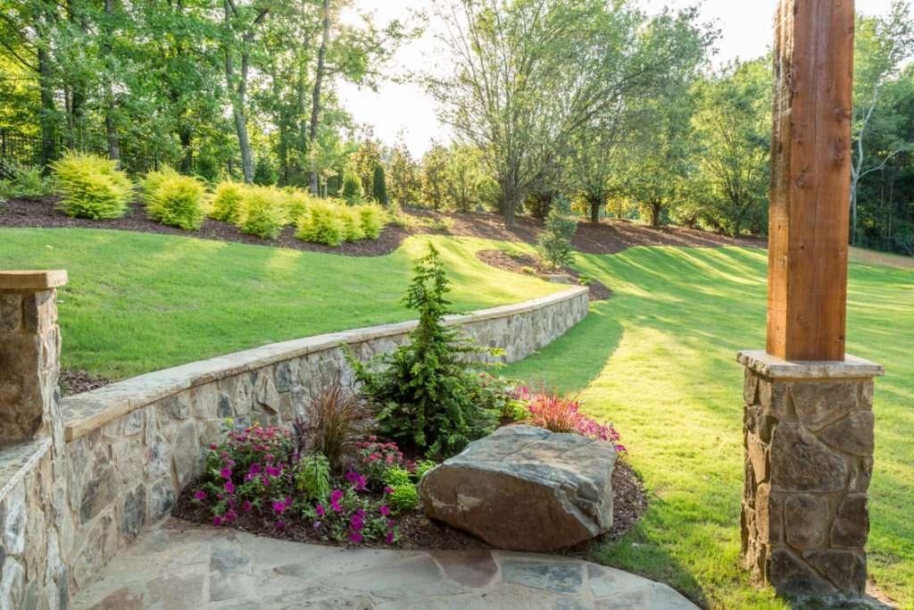 Corner annual and perennial garden