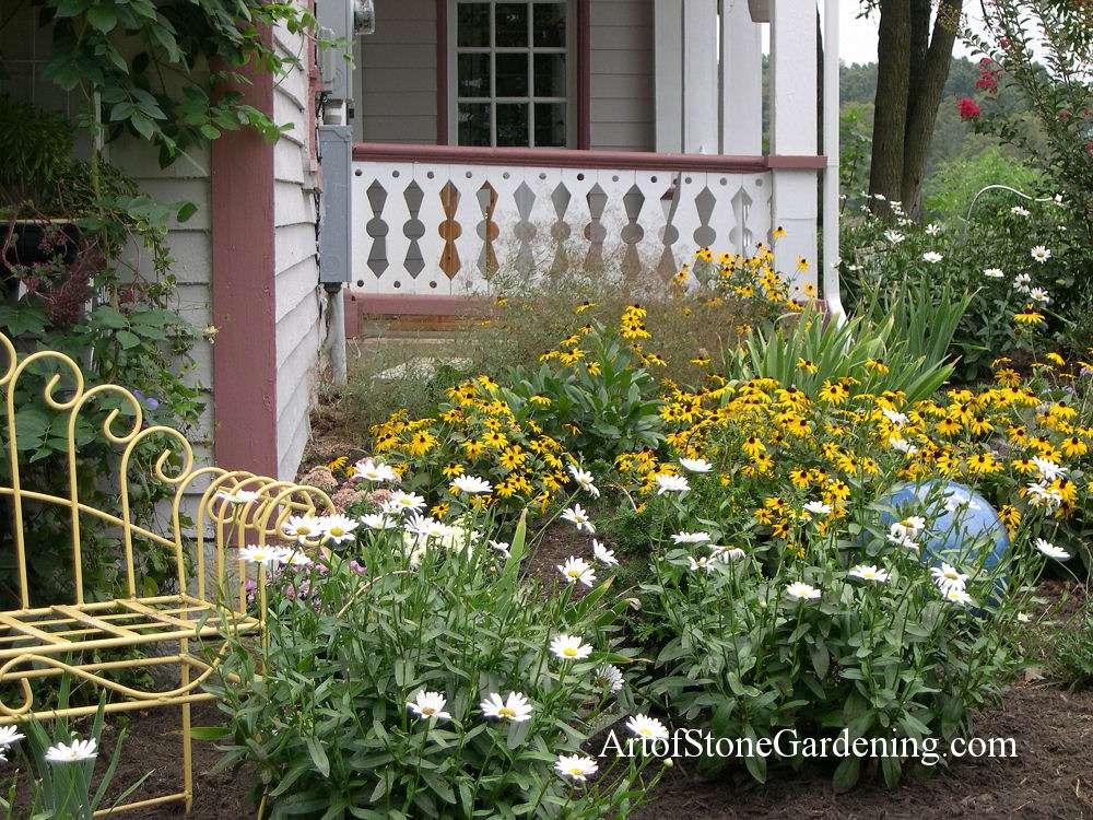 Farmhouse Cottage Garden
