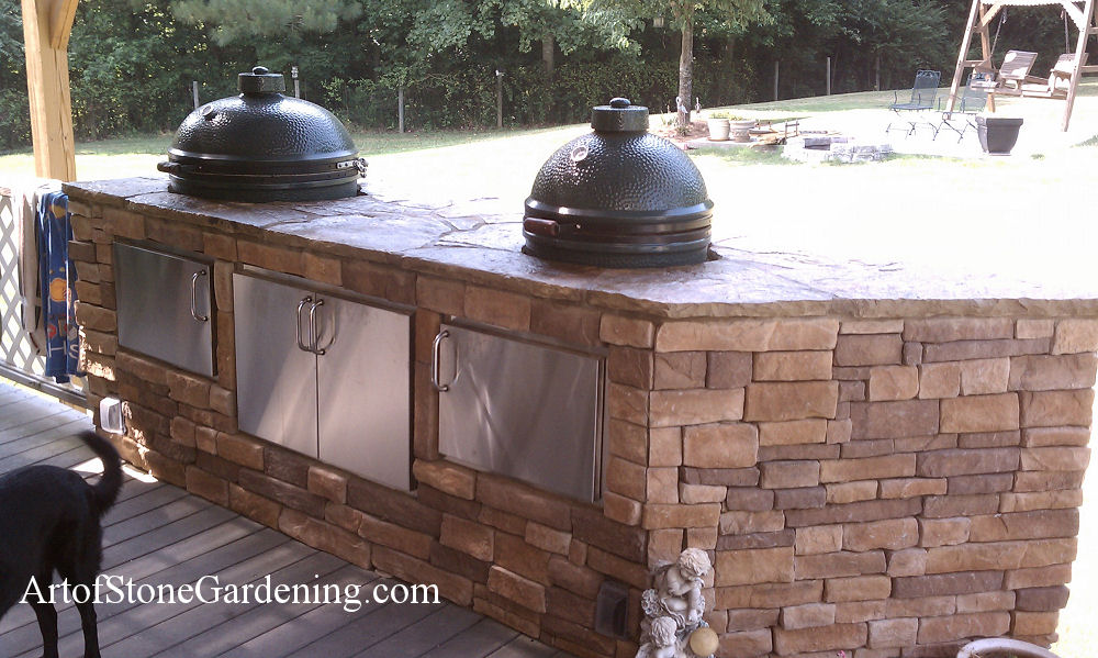 Grill station for Big Green Eggs