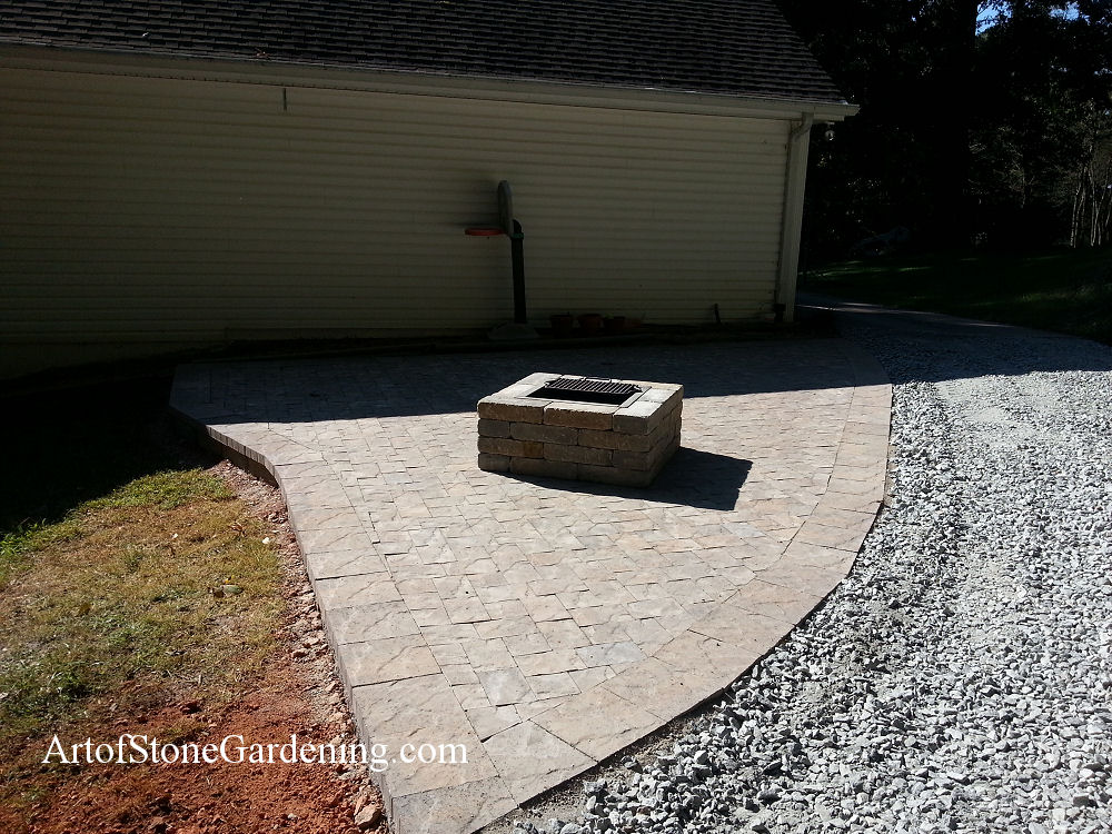 Square firepit in pavers