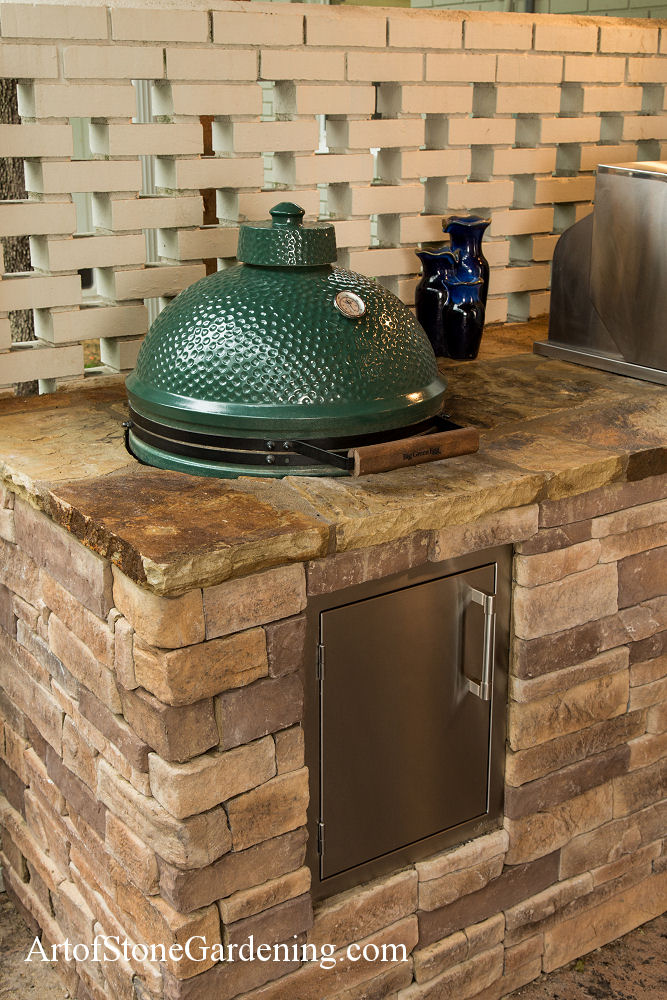 Big green egg and surround