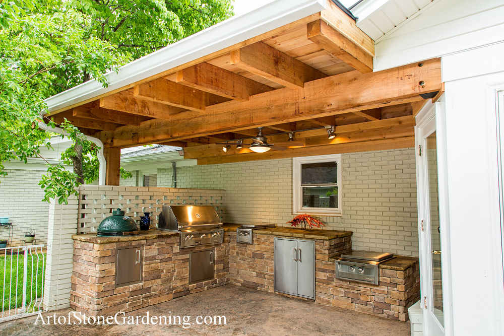 Outdoor kitchen in hall county