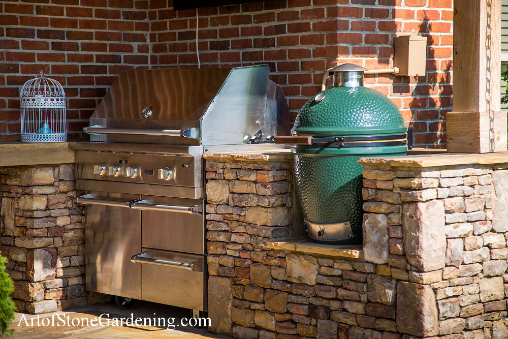 Grill station and green egg